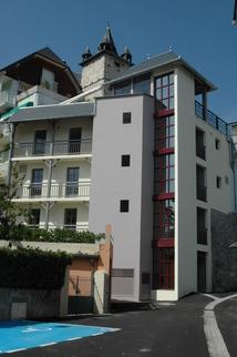 Vu de l'ascenseur depuis l'impasse de la terrasse (13 août 2010)