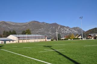 Le terrain synthétique du gymnase (Foot et Rugby)