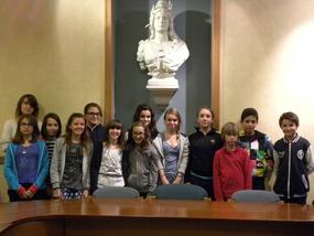 Le nouveau Conseil Municipal des Jeunes accueilli à la mairie